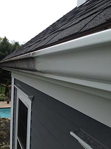 gutter cleaning before and after view